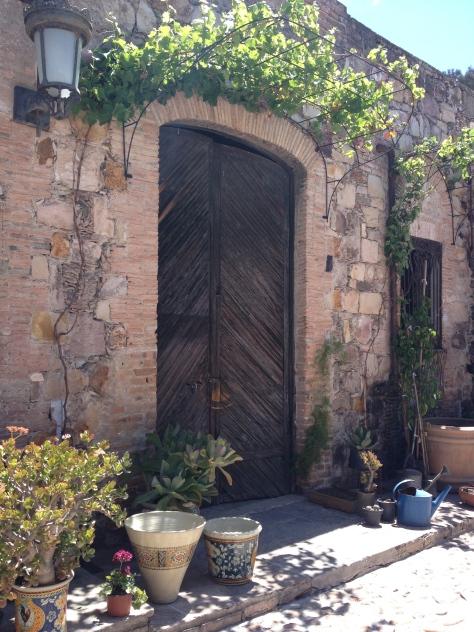 La Aurora door